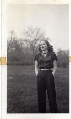 Classic 1940s blouse and slacks. #vintage #1940s #fashion #pants