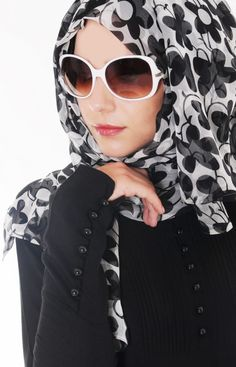 Hijab Fashion For Muslims Girls Summer Collation equal for soul children and Non-Muslim females.Fashion scarf Styles stuffs designs And Hijab designs Modern Hijab Fashion, Islamic Fashion, Muslim Fashion, Modest Fashion, Unique Fashion, Fashion Outfits, Fashion Ideas, Fashion Quotes, Fashion Muslimah