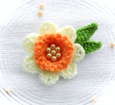 CROCHET FLOWER BROOCH APPLIQUE PALE YELLOW ORANGE DAFFODIL FLOWER | eBay