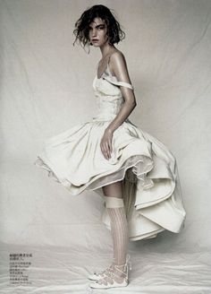 Arizona Muse by Paolo Roversi for Vogue China.
