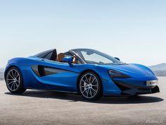 2018 McLaren 570S Spider - 02: Bien que le Spider gagne quelques kilos, McLaren soutient que les performances globales du cabriolet demeurent les mêmes que celles du Coupé. Le V8 de 3,8 litres permet toujours un 0-100km/h en 3,2 secondes et une vitesse de pointe de 323 km/h.