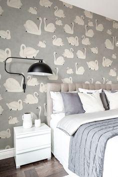 Swan Wallpaper, Bedroom Wallpaper, Wallpaper Ideas, Bunk Bed Rooms, Bunk Beds, White Swan, Scandinavian Bedroom, Bedroom Vintage, Beautiful Wall
