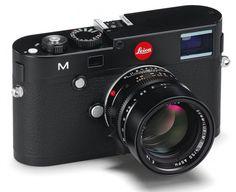 La Leica M10 o più semplicemente M, come ormai deciso dalla casa madre, è una delle novità più importanti del 2012.    Questa bellissima macchina a telemetro vanta uno dei sensori più performanti del panorama fotografico mondiale. Parliamo di un Cmos full frame da 24 Mpx appositamente progettato per la casa tedesca da Cmosis, al contrario dei precedendi Ccd di casa Kodak.