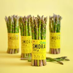 Green Asparagus on Packaging of the World - Creative Package Design Gallery Salad Packaging, Food Packaging Design, Packaging Design Inspiration, Online Fruits And Vegetables, Roasted Broccoli And Carrots, Vegetable Packaging, Fruit And Veg, Healthy Nutrition, Asparagus