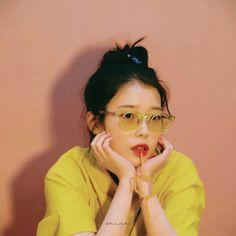 Kpop Aesthetic, Aesthetic Photo, Korean Actresses, Actors & Actresses, Kpop Girl Groups, Kpop Girls, Korean Girl, Asian Girl, Mamamoo