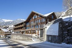 Jungfrau Lodge, Swiss Mountain Hotel, Grindelwald – not by recommendation 428 3 nights private bath Switzerland Destinations, Free Park, Comfy Bed, Double Beds, Train Station, Mountain View, Great View, Lodges, Switzerland