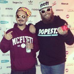 Fitti und Vokalmatador auf dem roten Teppich. Ray Bans, Mens Sunglasses, Instagram Posts, Style, Fashion, Red Carpet, Moda, La Mode, Fasion