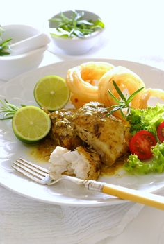 Simple Lemon & Herb Baked Fish with Salad - light, wholesome and a great family dinner. Fish Dishes, Main Dishes, Shellfish Recipes, Lemon Herb, Baked Fish, Crab Cakes, Sea Food, Kos, Tasty