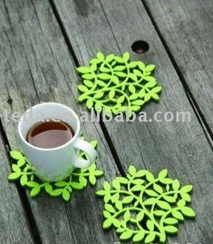 laser_cut_Green_Felt_cup_coaster_decoration.jpg (400×457)
