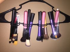 A easy DIY to dry your makeup brushes after being cleaned, all you need is a hanger, & a few hair ties. Hang drying them will keep the Brussels to stay in shape & with out messing them up.