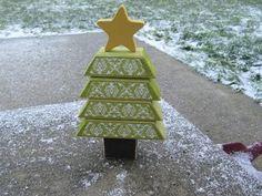 2 X 4 Chirstmas Tree xmas trees, wood projects, christmas crafts, christma tree, wood blocks, craft projects, tree crafts, diy christmas tree, christmas trees