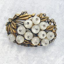 Vintage Glass and Crystal Shoe-button Floral Brooch from Vintage Jewelry Girl! #vintagejewelry #vintagebrooch