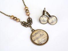 A zene dallama - kottás üveglencsés szett, Ékszer, óra, Ékszerszett, Nyaklánc… Diy Jewellery, Jewelry, Pocket Watch, Watches, Create, Accessories, Vintage, Fashion, Beads