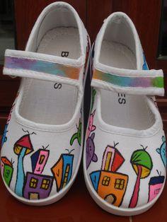 zapatillas pintadas a mano modelo mi ciudad