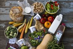 À quel prix le gaspillage alimentaire? | Marielle Rougerie | Consommation (Canada) Healthy Recipes, Healthy Food, Dairy, Canada, Cheese, French, Food Waste, Being Healthy, Food