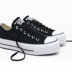 Vans Converse, Converse Style, Converse All Star, Cc Shoes, Shoes Sneakers, Sneakers Fashion, Fashion Shoes, Snicker Shoes, Beige Ankle Boots