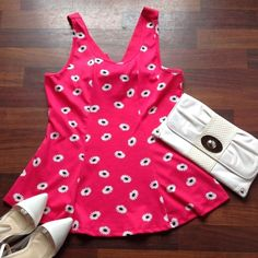 Price FIRM 💕 Top Cute pink peplum top with daisies NWOT 1x fits 12/14 Boutique Tops