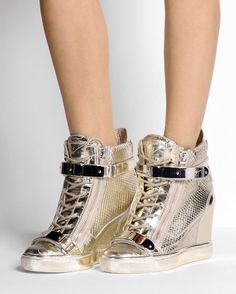 Giuseppe Zanotti Design Sneakers with metal applications, snakeskin print, laminated effect and zip closure. Wedge Sneakers Style, Sneakers Fashion, Fashion Shoes, High Heels For Kids, Giuseppe Zanotti Design, Cute Heels, Kinds Of Shoes, Burberry Handbags, Sneaker Boots