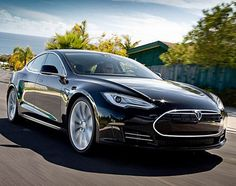 Tesla model S - Move over Aston Martin, this is technology at its finest