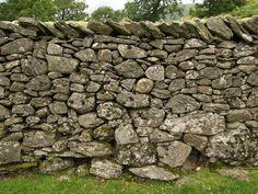 Ambleside, England: Nook Lane: dry stone wall