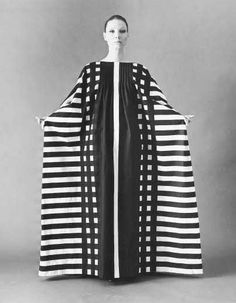 Marimekko black and white caftan Marimekko Dress, Estilo Hippy, Vintage Outfits, Vintage Fashion, Image Mode, High Fashion, Womens Fashion, Mode Vintage, Looks Vintage