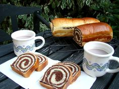 Csíkos kalács Hungarian Desserts, Hungarian Recipes, Hungarian Food, My Recipes, Cooking Recipes, Ring Cake, Bread And Pastries, Breakfast For Dinner, Croissant