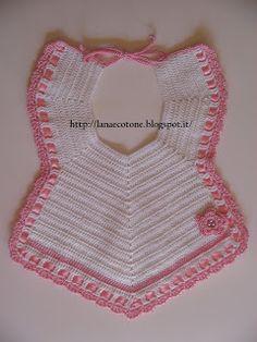 bavaglino Crochet Baby Bibs, Crochet For Kids, Free Crochet, Knit Crochet, Baby Knitting Patterns, Baby Patterns, Crochet Patterns, Crochet Crafts, Crochet Projects