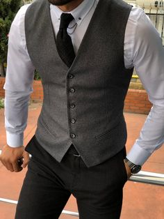 Name: GentWith Fabros Anthracite Slim Fit Cotton Vest Collection: Fall – Winter Product: Slim Fit Cotton Vest Color Code: Anthracite Available Size : Mens Suit Vest, Mens Suits, Groom Suits, Groom Attire, Gilet Costume, Designer Suits For Men, Retro Mode, Slim Fit Suits, Business Casual Men