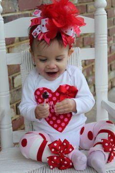 Allen would kill me! Baby Girl Valentine Outfit, Valentines Day Baby, Valentines Outfits, Cute Little Girls, Baby Girls, Tutu Ideas, Velvet T Shirt, Baby Girl Christmas, Little Fashionista