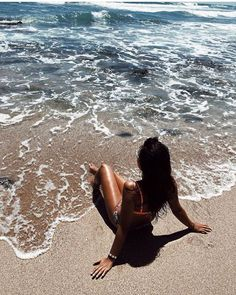 I am really a beach person. The reality is, I am so much a beach person that my wife is allergic to beaches now. Beach Photography Poses, Beach Poses, Summer Photography, Cute Beach Pictures, Insta Pictures, Beach Aesthetic, Instagram Pose, Insta Photo Ideas, Summer Pictures