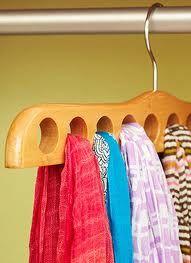 Prático e Organizado: Cachecóis, lenços e echarpes: como organizar?  #organization, #cabides
