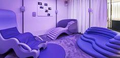 Arquiteta cria coleção de cadeiras para mulheres gestantes - Casa Vogue | Objetos