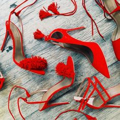 red pumps are always perfect Red Pumps, Red Heels, High Heels, Strappy Heels, Bling Bling, Mode Shoes, Vogue, All About Shoes, Textiles