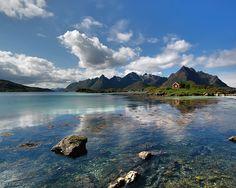♥♥ღPatrícia Sallum-Brasil-BH♥♥ღ Beautiful Norway (Relax Music) Beautiful Norway, Beautiful World, Beautiful Places, Lofoten, Desktop Background Nature, Desktop Backgrounds, Relaxing Music, World Of Warcraft, Beautiful Landscapes