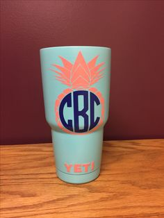 Pineapple monogram yeti cup Monogram Cups, Monogram Stickers, Monogram Design, Car Stickers, Decals For Yeti Cups, Yeti Decals, Vinyl Decals, Mom Tumbler, Tumbler Cups