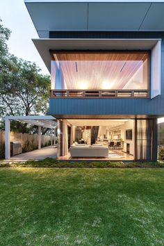 Coogee House: The Collaboration Of Healthy Living And Modern Life: Exterior Preview With The Green Grass Of Modern Home Design Of Coogee House By Tanner Kibble Denton Architect In Sydney Australia With Maximal In And Outdoor Connection ~ Manningmarable