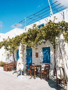 Dc Travel, Places To Travel, Travel Destinations, Santorini, Greece, Table Decorations, Architecture, Beautiful, Restaurant