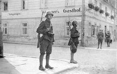 Czechoslovakian soldiers in Krásná Lípa, Czechoslovakia, Oct 1938