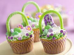 Ostern Süßigkeiten zubereiten-als Überraschung-oder geschenk-Cupcakes Körbchen