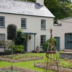 Courtyard Garden - Prince Charles' Welsh Home