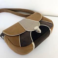 patron besace vegas (25) Couture, Vegas, Sunglasses Case, Fashion, Making Purses, Satchel, Fallow Deer, Wallet, Paper Pieced Patterns