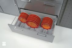Insert for plate drawers Plate Organizer, Drawer Table, Drawer Inserts, Home Organisation, Plate Racks, Vacuum Forming, Interior Inspiration, Drawers, Kitchen Cabinets