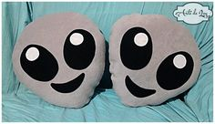 Almohadon Alien Emoji Emoticon Marciano Decoración Colección - $ 350,00 Sewing Pillows, Diy Pillows, Nightmare Before Christmas Games, Fabric Boxes Tutorial, Anime Diys, Hippy Room, Sewing Stuffed Animals, Video Game Rooms, Comfy Bedroom