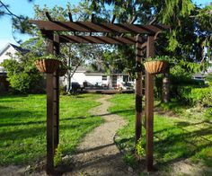 Building an arbor is a great way to enhance the look of a home or garden. A DIY backyard arbor is not a hard thing to build when you have the proper plans. Cheap Pergola, Backyard Pergola, Pergola Kits, Pergola Ideas, Landscaping Ideas, Diy Garden Projects, Outdoor Projects, Diy Arbour, Diy Yard Decor