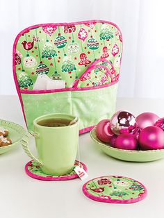Quilting - Holiday & Seasonal Patterns - Christmas Patterns - Tea Cozy & Mug Rugs