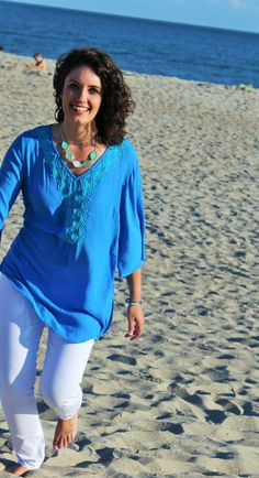 how 2 wear it, fashion blog, fashion blogger, ootd, how to wear white jeans, blue and white outfit, patriotic outfit, lilly for target outfit, aqua and blue shirt, beach waves, summer outfit, casual outfit, kendra scott color bar necklace