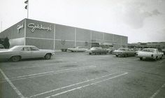 Lakeside: See vintage photos of this Metairie mall from The Times-Picayune Lakeside Shopping, Lakeside Mall, Abandoned Malls, Downtown New Orleans, Jefferson Parish, Throwback Pictures, Air Conditioning Units, Local History, History Pics