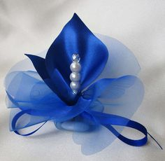 fabric handmade calla lily wedding favors royal blue or by Wedding Favor Table, Wedding Party Favors, Wedding Ideas, Wedding Planning, Lemon Centerpieces, Calla Lily Wedding, Prom Flowers, Stage Decorations, Handmade Flowers