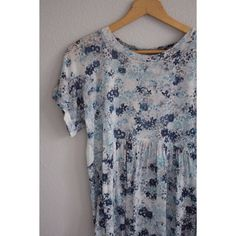 watercolor floral blouse size XS blue watercolor floral blouse. beautiful detail with flowy fit. only worn a couple of times, so it's like new! could also fit a size S/M. Tops Blouses