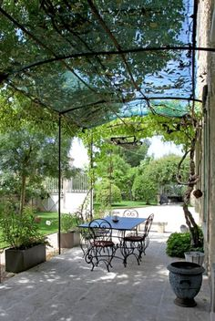 Tina Motta While early inside thought, the particular pergola has become encountering a bit of Metal Pergola, Outdoor Pergola, Pergola Plans, Outdoor Decor, Pergola Ideas, Pergola Shade, Pergola Kits, Patio Roof, Backyard Patio